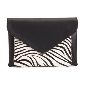 Zebra Mila 2-In-1 Clutch